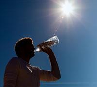 ما هي المخاطر الناجمة عن التعرض لأشعة الشمس؟