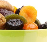 الفواكه المجففة: بين الفوائد والأضرار