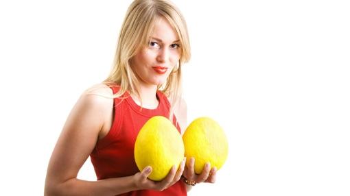 مع أنها أقل شيوعا لكنها ضرورية أحياناً - عمليات تصغير الثدي.