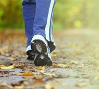المشي: العلاج الأفضل للخلل في الأوعية الدموية في القدمين