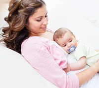 الرضاعة تحمي الطفل من السمنة في الكبر