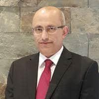 الدكتور عماد قلالوة