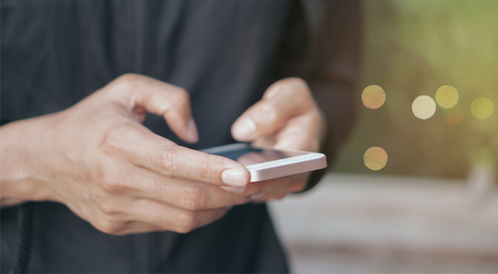 هل أنت مدمن على استخدام الهاتف الذكي؟