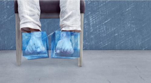 لماذا تُعاني من برودة القدمين المستمرة؟