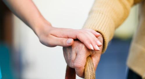 النساء أكثر عرضة للإصابة بالزهايمر...لماذا؟