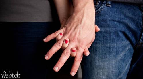 دراسة جديدة: تناول النساء للطعام يؤدي إلى رومنسية أفضل