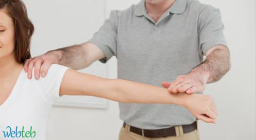 التحريك الفعّال لمفصل الكتف لاستعادة مجال الحركة غير موصى به بعد عملية اصلاح عضلات الكفة المدورة المتمزقة