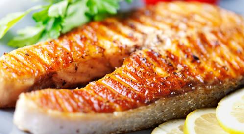 العلاقة بين استهلاك الأسماك وحدوث الاكتئاب لدى الرجال والنساء