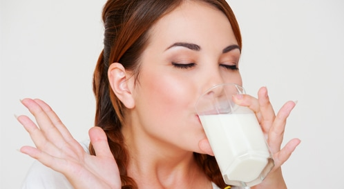 هل شرب الحليب يزيد من خطر الوفاة المبكرة؟