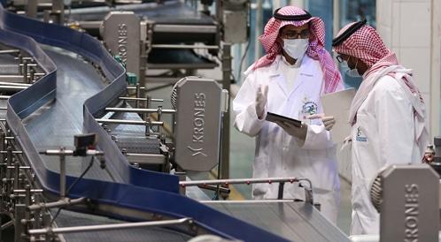 إلزام مصانع المياه المعبئة بتزويد وسائل النقل بطبقة عازلة في السعودية