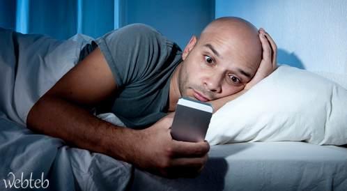 دراسة تدعو إلى إدخال وضعية النوم إلى برمجة الهواتف الذكية!