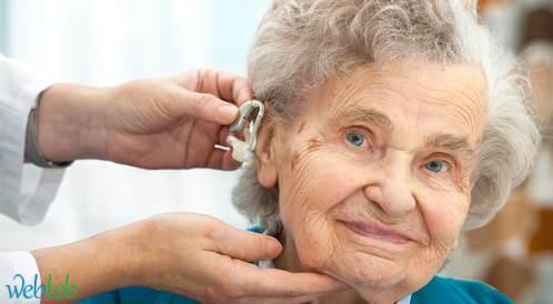 استخدام الأجهزة السمعية يؤدي إلى إبطاء التدهور الإدراكي لدى البالغين