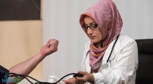 نصف الأطباء المسلمين في امريكا يشعرون أنه يتم اختبارهم أكثر من زملائهم