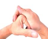 هل فرقعة الأصابع خطيرة