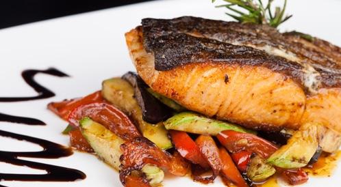وجبات المطاعم تحتوي على كمية عالية جداً من السعرات الحرارية