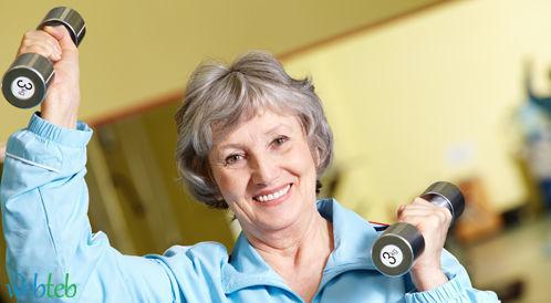 قلة النشاط البدني: عامل الخطر الرئيسي لأمراض القلب لدى النساء البالغات