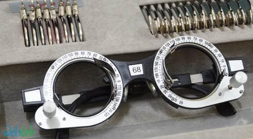 العدسات التسلسلية بجراحة إعتام عدسة العين لتصحيح الخلل في تركيز العدسة