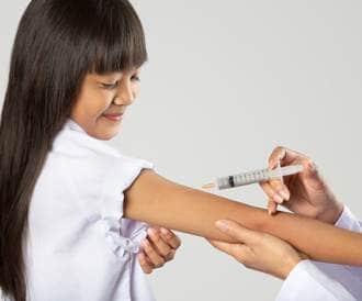 يستمر التهاب المفاصل من مرحلة الطفولة إلى مرحلة البلوغ لدى حوالي 40٪ من المرضى