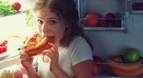 قلة النوم تدفعك لتناول الطعام الغير صحي بكثرة!