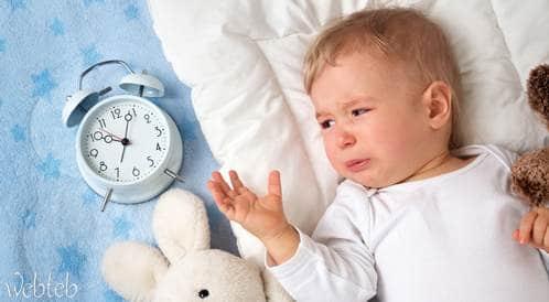باحثون يؤكدون: لا ضير في ترك الطفل يبكي حتى يخلد إلى النوم