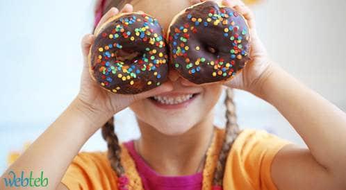 توصيات جديدة حول كمية السكر المسموح تناولها من قبل الأطفال
