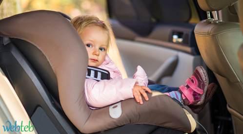 هل تشكل المقاعد المخصصة للأطفال في السيارات خطرا على صحتهم؟