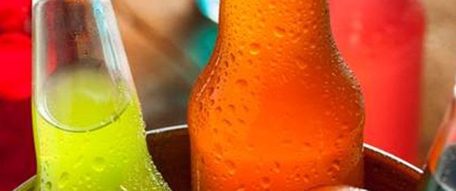 مطالبة الحكومات بفرض ضرائب على المشروبات السكرية