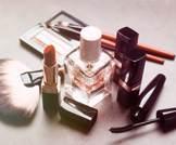 تحذير من منتجات التجميل