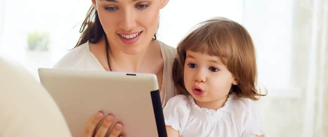 استخدام الأطفال للأجهزة الذكية قد يصيبهم بالسمنة!