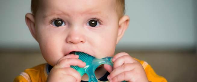 تحذير من بعض أدوية التسنين الخاصة بالأطفال
