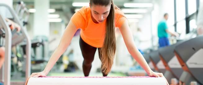 مختصون يوضحون خطر وضع المكياج أثناء ممارسة الرياضة