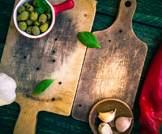 ألواح التقطيع الخشبية والبلاستيكية- أيهما أفضل للصحة؟