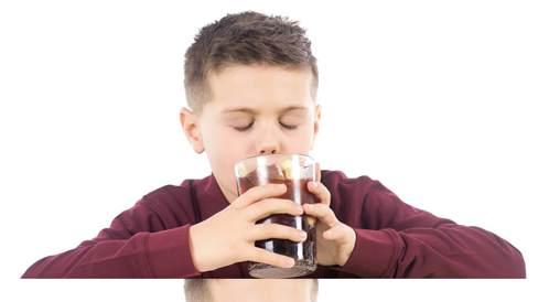 المشروبات الغازية وتأثيرها على الكبد