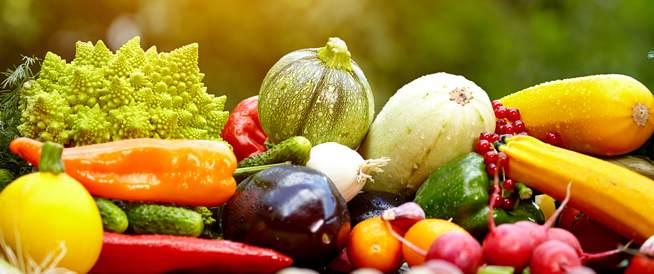 تناول الخضراوات والفواكه يعزز صحة الرئتين