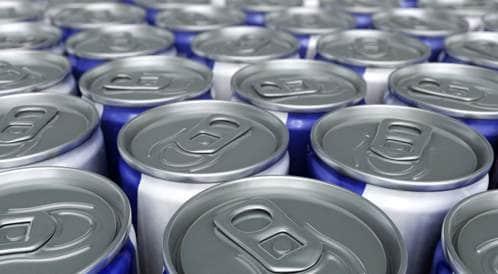 تحذير من تناول مشروبات الطاقة بسبب مخاطرها ومكوناتها