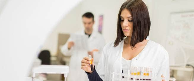 فحص دم جديد قادر على الكشف عن سرطان الرئة بدقة