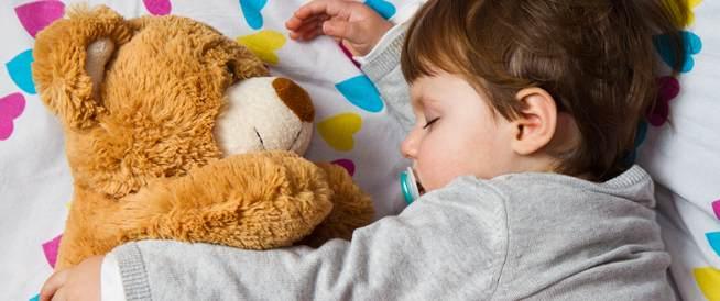 عود أطفالك على وقت نوم معين لسمنة أقل في الكبر!