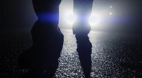 لذا تؤلم أضواء السيارات ليلاً عينيك