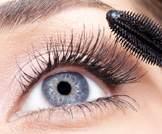 مكياج العيون: توصيات لتتجنبي مخاطره