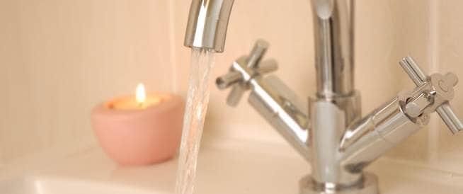 هل أغسل يدي بماء بارد أم ساخن؟ لا فرق