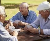 الأصدقاء أهم لصحتك وسعادتك من العائلة؟