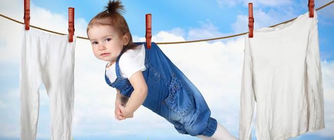 تعقيمك الزائد للطفل وبيئته قد يضره!