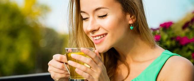 الشاي الأخضر يخلصك من آثار النظام الغذائي غير الصحي