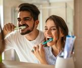 تنظيف الأسنان قد يحميك من سرطان الحنجرة