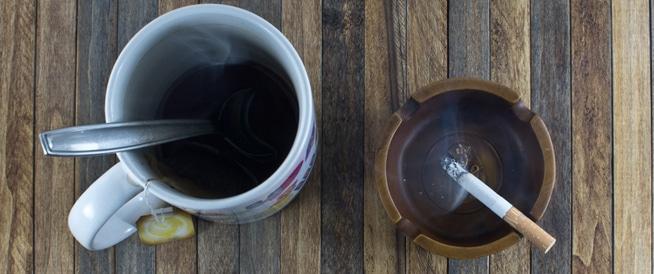 تناول الشاي الساخن مع تدخين السجائر قد يصيبك بالسرطان