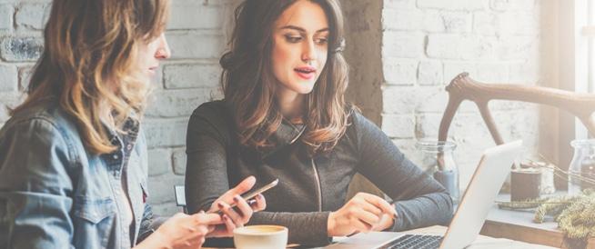 عزيزتي: مواقع التواصل الاجتماعي تؤثر سلباً على صحتك النفسية