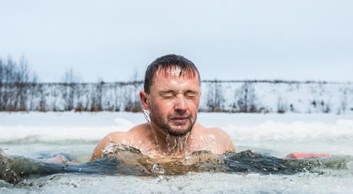 السباحة بالماء البارد