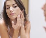 هل تعاني من ظهور البثور على وجهك؟