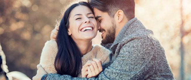 الزواج في العشرينات قد يقلل من توترك