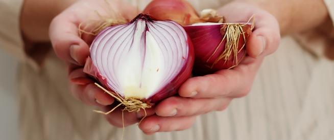 البصل يقلل من خطر الإصابة بسرطان الأمعاء